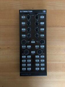 Native Instruments Traktor Kontrol X1 Mk1 Midi DJ Controller