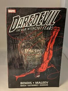 DAREDEVIL: ULTIMATE COLLECTION BOOK 1 by Brian Michael BENDIS & Alex MALEEV