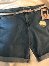RIDERS by LEE WOMEN'S MID RISE BERMUDA SHORT SIZE 8 DENIM WITH SILVER BLT 5 PKT