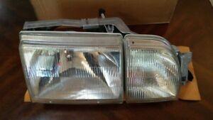 NOS Ford 87 Merkur Scorpio Rh OEM Headlight Lamp Assembly E7RY