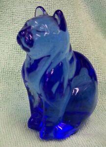 Blue Glass Sitting Cat figurine - no chips or cracks