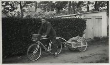 PHOTO ANCIENNE - VINTAGE SNAPSHOT - VÉLO BICYCLETTE REMORQUE VOYAGE - BIKE 1940