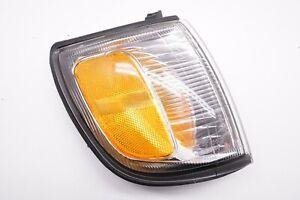 1999-2002 Toyota 4Runner Corner Light Turn Signal Park Lamp - Right Side