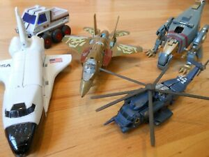 Lot Robots Transformers Dinosaure Avion - BANDAI Space Shuttle NASA