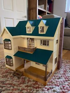 Sylvanian Families Oakwood Manor House on the Hill - with furniture - VGC