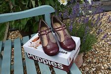 Ladies gorgeous Leather Hush Puppies shoes size UK 4W Wide. BNIB NEW