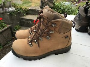 BrasherWomen's Country Walker Walking Boots - size 6