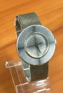 VINTAGE SEIKO 2220-0310 HAND-WINDING WATCH WITH ORIGINAL BAND ~ RARE FIND