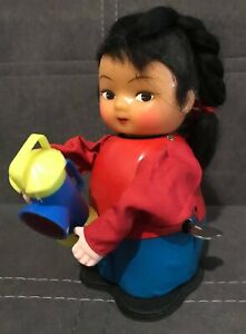VINTAGE TIN TOY GIRL PLAYING LANTERN / RED CHINA / MS 850