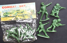 1970s COMBAT SET 4 Different soldiers 4.5cm tall