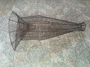 Ancienne nasse à poissons à fond plat métal 50 cm  bon état décoration  pêche