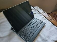 Samsung SM-T820 Galaxy Tab S3 9.7 inches 32GB Tablet wkeyboard - Silver