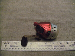 Shakespeare Lady Fish Fishing Reel, Used Not Working For Parts Only See Picture
