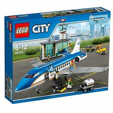 Lego City Airport Town 60104 AIRPORT PASSENGER TERMINAL Pilot Luggage Stairs NEW