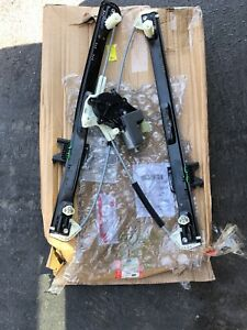 2013-2018 RANGE ROVER L405 REAR LEFT DOOR GLASS WINDOW REGULATOR MOTOR ASSEMBLY