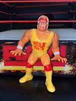 WWE HULK HOGAN HASBRO WRESTLING FIGURE WWF SERIES 1 1990