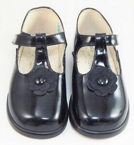 DE OSU - Girls Black Patent Leather Dress Shoes - European 24 Size 7