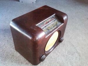 VINTAGE VALVE BUSH DAC 90A BROWN BAKELITE RADIO WIRELESS SET