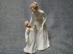 "Royal Doulton Figurine 1991 ""JUST FOR YOU"" HN3355 - English Bone China"