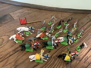 Britains LTD Medieval Knights 1971 - Lot Of 20 Figures