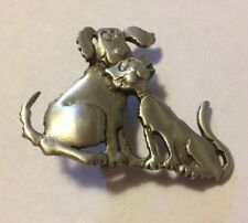 JJ VINTAGE KITTY CAT & DOGGY SNUGGLING PEWTER BROOCH PIN