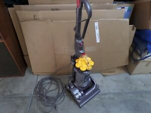 Dyson DC33 Multi-Floor Upright Bagless Vacuum Cleaner (Yellow/Gray) WORKING COND