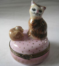 PEINT MEIN LIMOGES FRANCE CAT & SLEEPING KITTEN  LE PORCELAIN TRINKET / PILL BOX