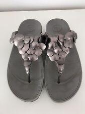 Grey & Silver Fit Flops Sandals Size 6