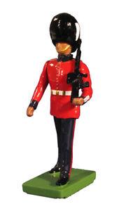 BRITAINS BRITISH CEREMONIAL 48522 BRITISH GRENADIER GUARD MARCHING MIB
