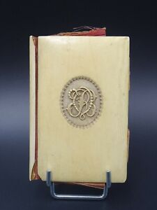 ANCIEN PETIT CARNET DE SOUVENIR JEUNE FILLE MONOGRAMME RV VERS 1880 ETAT MOYEN