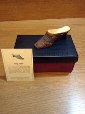 Raine Just the Right Shoe Coa Box Pretty Penny 25105