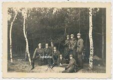 Foto Soldaten mit MG und Handgranate-Stahlhelm    2.WK  (D224)