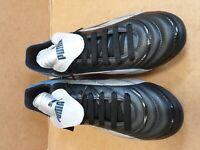 D208 MENS PUMA TORCIDA BLACK GREY BLUE FOOTBALL BOOTS UK 9 EU 43 BNWT
