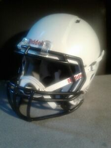 Riddell Youth Football Helmet Small / Med with Chin Strap