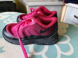Nike Air Max Invigor Girls INFANT SIZE 5.5 CERISE/BLACK