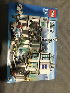 Lego City 7744 Police Station