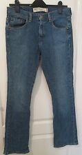Preowned Ladies Modern LEVI 515 Nouveau Bootcut Blue Jeans Size W 30 x L 32 (N27