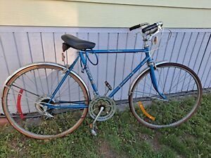 Blue Ross Eurotour Men's Touring Road Bike,Tempered Lugged Steel- Local pickup