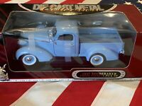 1937 STUDEBAKER COUPE EXPRESS PICKUP, Road Signature,1:18 Scale Die-Cast, New