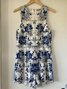 THURLEY-SIZE 10-100% SILK BLUE WHITE FLORAL PLAYSUIT ROMPER