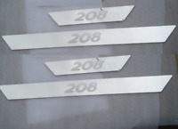 Set 4 Battitacco con scritta 208 protezione soglia entrata Peugeot battitacchi.,