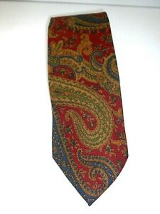 Burberrys of London 100% Silk Men's Tie Classic Size 3.5 x 60 Paisley Red Design