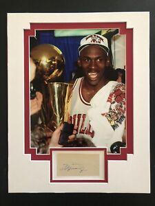 Michael Jordan Authentic Signed Piece, Bulls