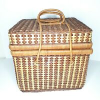 """Lg Vintage Wicker Hamper Style Picnic Basket With Lid & Handles Clasp 13"""" X 14"""""""