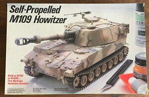 NEW Testors (Italeri) 1/35 Self Propelled M109 Howitzer Model Kit Tank #777