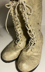 Twisted Taupe Back Zip Lace Up Combat Boots Size 8  PreOwned
