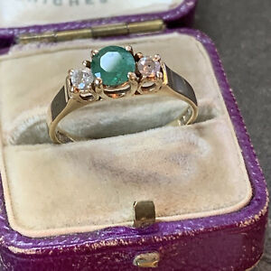 1980's Vintage 9ct Gold Emerald and Diamond Engagement Ring Hallmarked UK O1/2