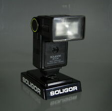 Soligor 30 DA Multi-Dedicated Thyristor Zoom Bounce Blitzgerät Flash - (50198)