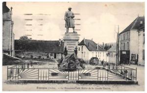 CPA 10 ESSOYES LE MONUMENT AUX MORTS