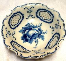 Schale,blau-weiß,mit Rosenmotiv,Pirkenhammer,20.Jhdt